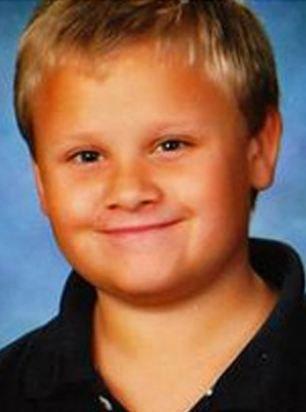 10岁男孩因尿床被父母禁止喝水 5天后渴死