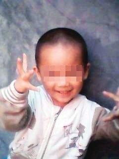 男童幼儿园内离奇死亡 肛门出血后背现尸斑(组图)