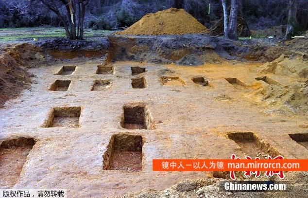 百年惩戒学校挖出55具遗骸